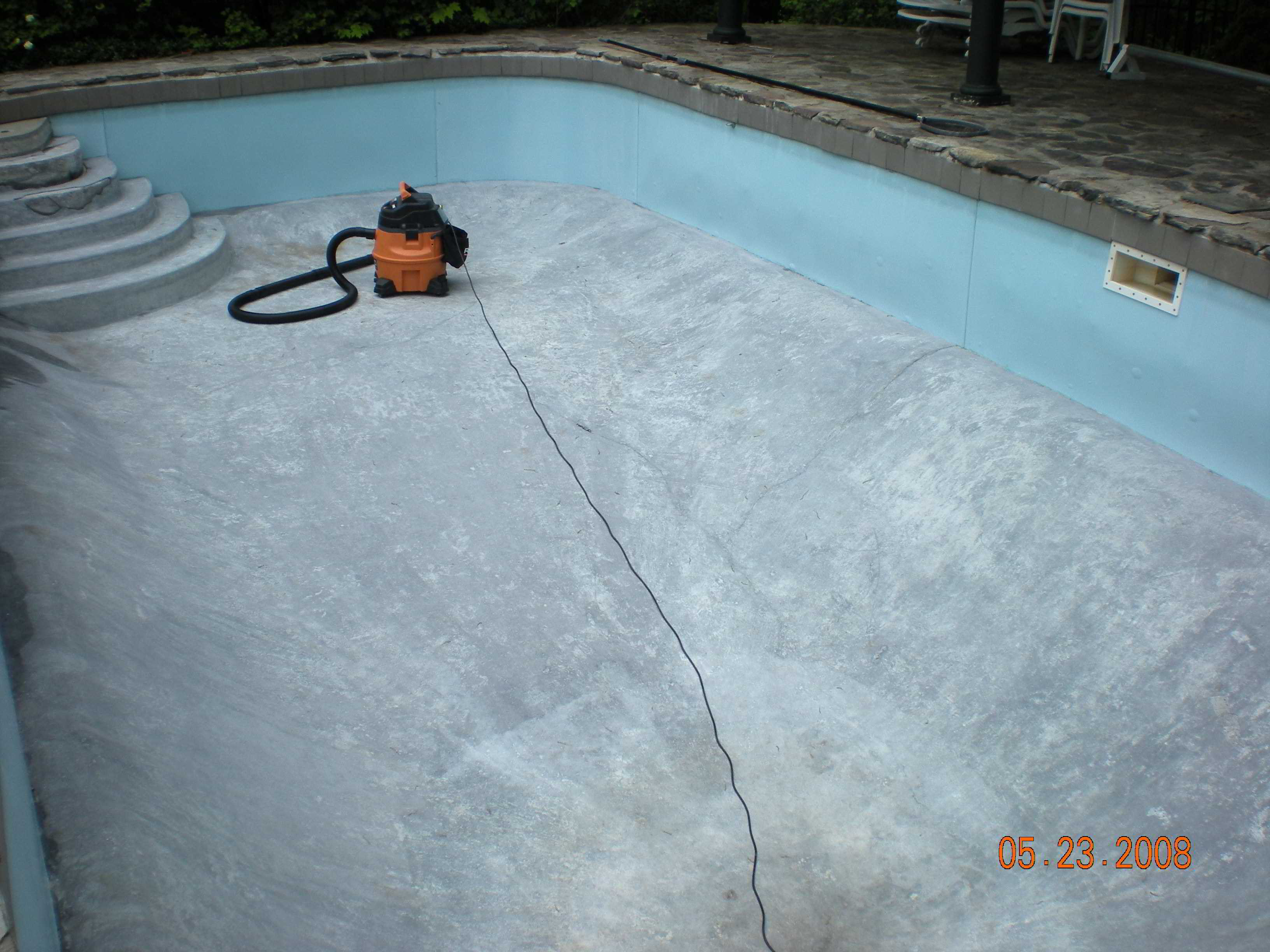 how to clean a pool with muriatic acid